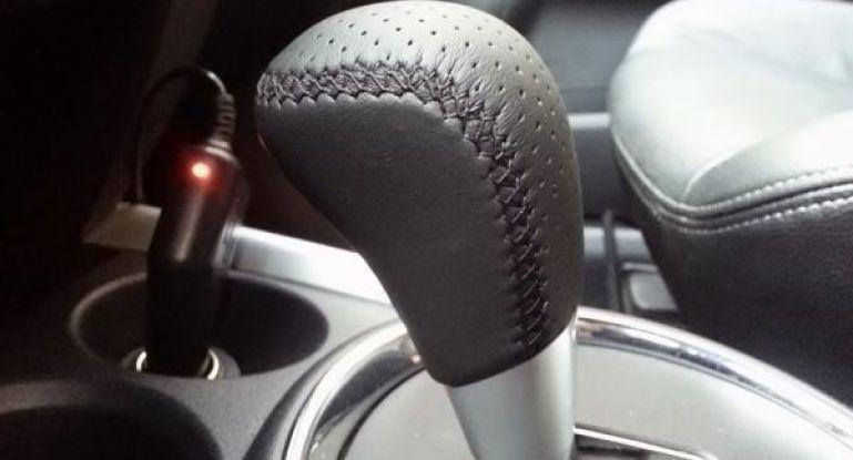 Замена чехла на рычаге коробки передач: как поменять